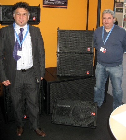Claudio Villarino (Yes Audio) y Arsenio Serrano (Fane Systems)