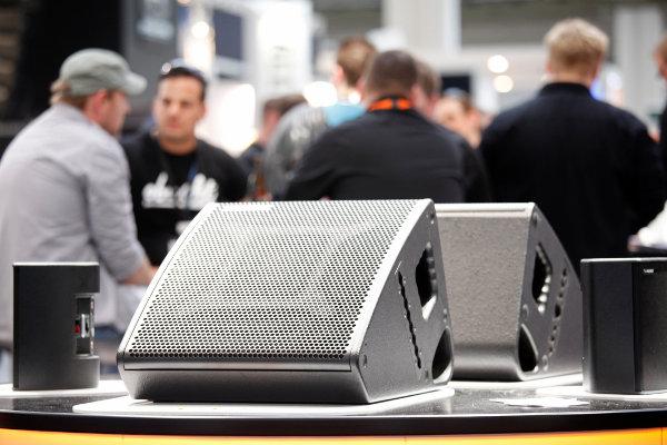 Monitores de TW Audio. Foto de Messe Frankfurt Exhibition GmbH / Jens Liebchen
