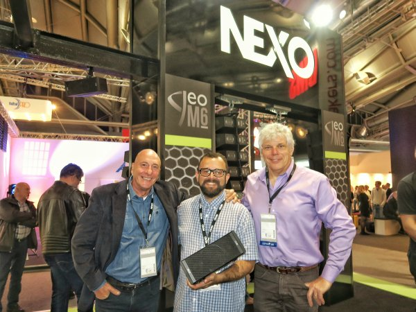 Nexo, Hely Chirinos de Sun Music, Celso Papadopulos y Roberto Tschopp