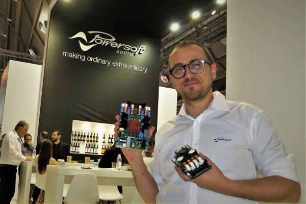 Matteo Bianchini con los nuevos módulos Powersoft